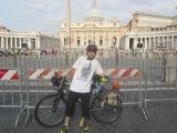 Roberto: por la Vía Francígena hasta Santiago en bici y sin miedo alfuturo.